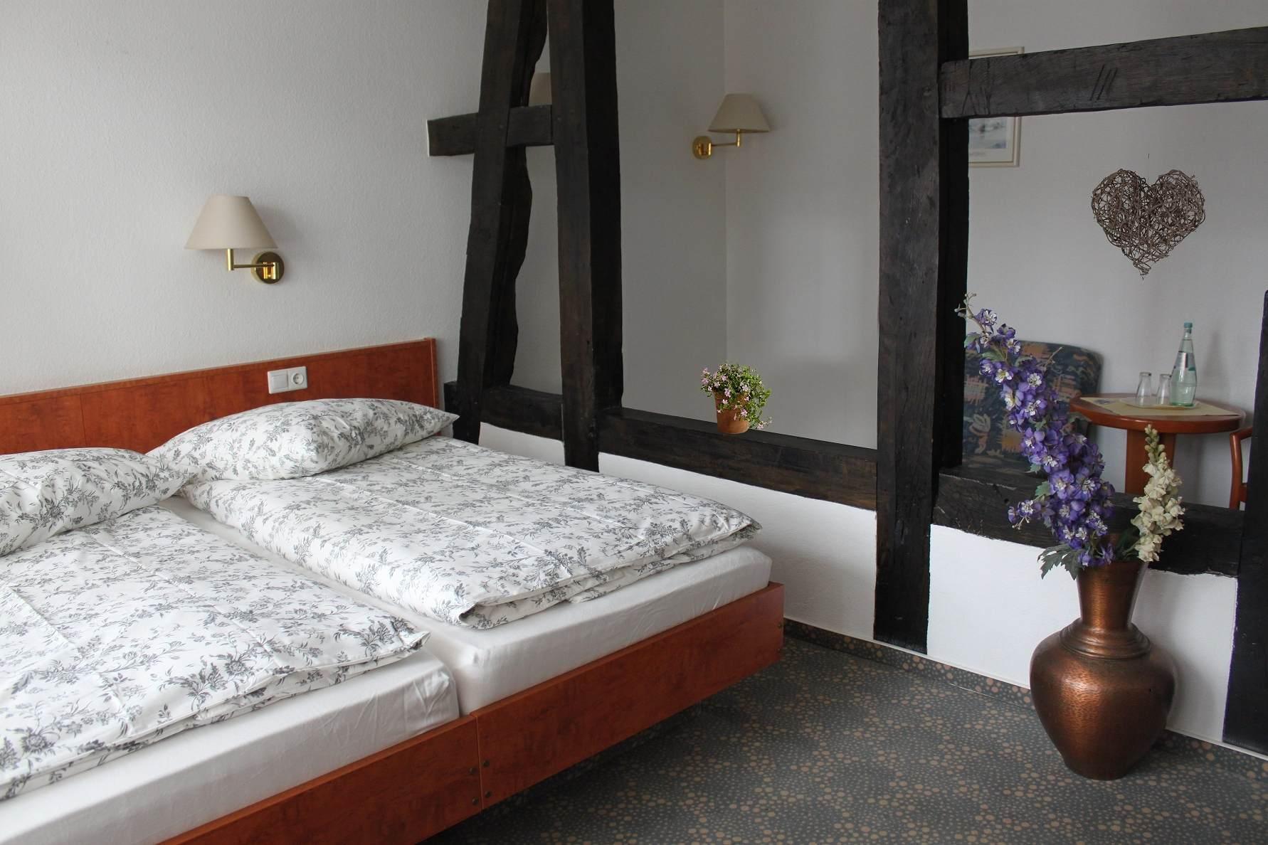 Doppelzimmer mit Balken in Bad Sassendorf